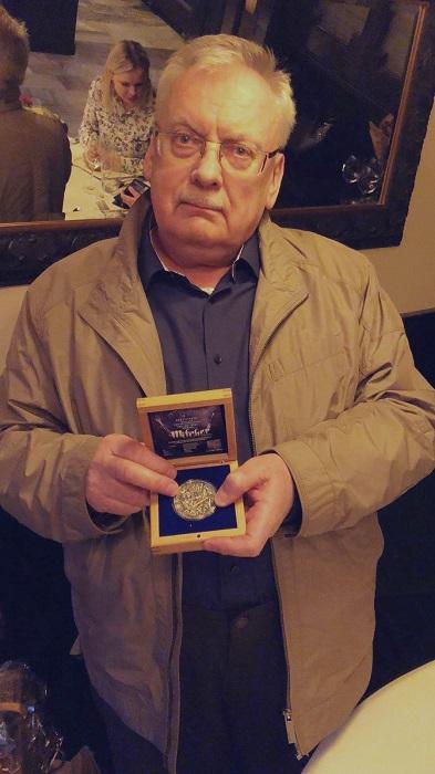 Andrzej Sapkowski moneta z Wiedźminem