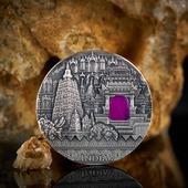 """ENG BELOW 👇🏻  Wiemy, że są tu fani naszej wyjątkowej serii """"Imperial Art"""" 😍 Nasza najnowsza moneta z serii, Indie, prezentuje się fenomenalnie!  Monetę zaprojektowała Beata Kulesza-Damaziak, a zdjęcia wykonała  @keenys.art ❤️ A wybiła dla nas oczywiście @mintofpoland ! 🇬🇧  We know that there are fans of our unique """"Imperial Art"""" series 😍 Our latest coin from the series, India, looks phenomenal! The coin was designed by Beata Kulesza-Damaziak and photographed by @keenys.art ❤️  #imperial #imperialart #india #gemstonejewelry #gemstone #indie #mennica #qualitycontrol #gdansk #newcoin #coin #numismatists #numizmatyka #investing #investmentcoins #silvercoin #silver #srebro"""