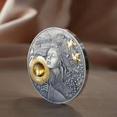 ENG BELOW 👇🏻  Po krótkiej przerwie, związanej z pracami informatycznymi, wracamy z witrynami pełnymi pięknych monet ❤️  Dzisiaj mamy dla Was Amaterasu - japońską boginię słońca. Moneta zachwyciła nas swoim wykonaniem. Wspaniałe detale, selektywne złocenie, bursztyn. Coś cudownego 😍  🇬🇧  After a short break due to IT work, we are back with beautiful coins ❤️.  Today we have for you Amaterasu - Japanese sun goddess. The coin has delighted us with its workmanship. Wonderful details, selective gilding, amber. Something wonderful 😍  #numismatists #numismatic #investmentcoins #silvercoins #collector #japanesemythology #amaterasu #amber #gold #mintofgdansk #numizmatyka #inwestycja #srebro #monety #monetykolekcjonerskie #japonia #japonskakultura #bursztyn #złoto #mennicagdanska
