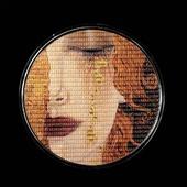 """ENG BELOW 👇🏻  Czy widzieliście już dostępna od ręki, pierwsza monetę z serii """"Matrix Art""""? 🤔  To ukryty w systemie binarnym popularny obraz austriackiego malarza, Gustava Klimta - Złote Łzy.   Moneta wybita jest z 3 uncji srebra, ale łzy zostały oczywiście poddane złoceniu.  Nas zachwyciła jakość wykonania ❤️  🇬🇧  Have you seen the first coin from the """"Matrix Art"""" series available off-the-shelf yet? 🤔   It's a hidden in the binary system popular painting by Austrian painter, Gustav Klimt - Golden Tears.   The coin is struck from 3 ounces of silver, but the tears have obviously been gilded.   We were impressed with the quality of the workmanship ❤️  #mennicagdanska #coin #numismatic  #numizmatyka #investing #investment #investmentcoins #silvercoin #silver #srebro #gustavklimt #art #gustavklimtart #goldentears #gold #artwork #artoftheday #austrianart #sztuka"""