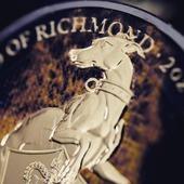 ENG BELOW 👇  5£ Płonący Biały Chart z Richmond- z serii Bestie Królowej 🔥   Dzięki połączeniu rutenu i złota, moneta zyskuje na wartości i zachwyca wizualnie!   Ciemny rutenwydobywa splendor, azłoto eksponuje bogactwo zastosowanych technik.Dało to unikalny, kontrastowy efekt, który współgra ze sobą.  Detaliczne wykonanie sprawia, że moneta jest wyjątkowym arcydziełem sztuki menniczej.   5£ Burning White Greyhound of Richmond the Burning Queen's Beasts series 🔥  Thanks to the combination of ruthenium and gold, the coin increases in value and visually impresses!  Dark ruthenium brings out splendor, and gold shows the richness of the techniques used. This gave a unique, contrasting effect that harmonizes with each other.  The detailed workmanship makes the coin a unique masterpiece of mint art!  #burningcoin #burningqueensbeasts #burning #coincollecting #coinmastercoins #coincollectibles #beasts #collection #silver #gold