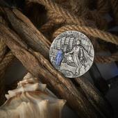 """ENG BELOW 👇🏻  Nie tylko Wiedźmin jest naszą nową monetą. Wydaliśmy ostatnio pierwszą monetę z nowej serii """"Słynni Odkrywcy"""". Zachwyca nie tylko szczegółami, ale również porcelanową, ręcznie malowaną wstawką! Monetę zaprojektowała Beata Kulesza-Damaziak, a zdjęcia wykonała  @keenys.art ❤️ A monetę wybiła dla nas @mintofpoland ! 🇬🇧  We have recently issued the first coin of the new series """"Famous Explorers"""". It impresses not only with details, but also with its porcelain, hand-painted insert! The coin was designed by Beata Kulesza-Damaziak and photographed by @keenys.art ❤️  #zheng #zhenghe #chinese #chinesecoins #discover #discoverearth #discoverer #explore #explorers #mennica #qualitycontrol #gdansk #newcoin #coin #numismatists #numizmatyka #investing #investmentcoins #silvercoin #silver #srebro"""